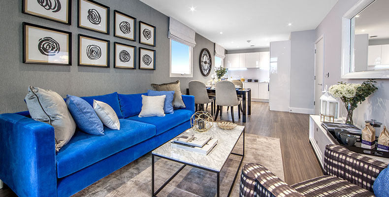 LONDON SQUARE ISLEWORTH 	SALES SUITE AND SHOW APARTMENT OPEN DAILY