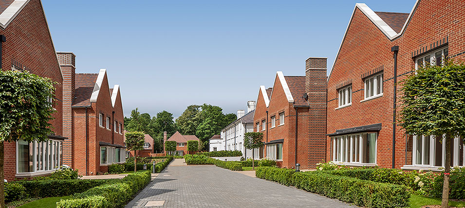LONDON SQUARE HAYES, BR2 	NOW OVER 60% SOLD