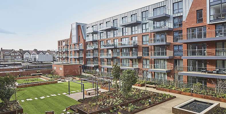 LONDON SQUARE STREATHAM HILL 	A COLLECTION OF HIGH SPECIFICATION APARTMENTS